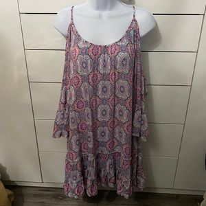 Solitaire cold shoulder dress
